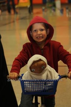 Easy and Cheap: Elliot and E.T. DIY Costume for a Boy... Coolest Halloween Costume Contest