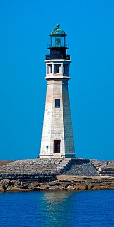 Buffalo Main Lightlighthouseat the mouth ofBuffalo River Buffalo New York US42.878083, -78.889239