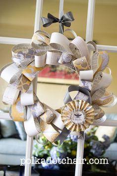 Wreath of paper loops