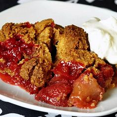 Strawberry Apple Graham Crumble - love anything with a graham cracker crumb crust? ...then this delicious warm fruit crumble is right up your alley. A unique crumble idea that is simply outstanding when served warm with ice cream, whipped cream or, as our UK friends always enjoy, with warm custard. The perfect end to a comfort food meal.