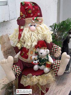 HOHOHO RONALDO FAZ SUA LISTA by Artinmoldes - Atelier Das Mana, via Flickr cristma, craft, artesanato, muneco, adorno, fieltro, duend, christma, atelier