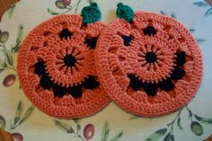 $ pumpkin potholders $ . ☀CQ #crochet #halloween #jackolantern #crafts #DIY