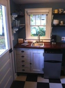 Our cozy kitchenette