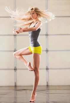 dance photography, dance pictures, danceinspir workout, fit bodies, fit girls, ballet, workout exercises, dancer, dance fitness