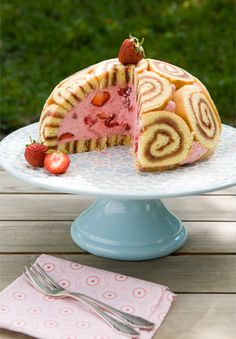 Strawberry Cake with Rolled up Sponge Cake