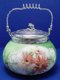 181: MT WASHINGTON ART GLASS BISCUIT JAR : Lot 181