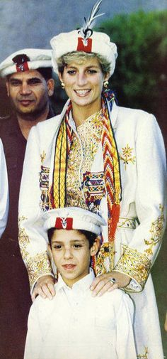 I haven't seen Princess Diana in this outfit before but it's beautiful...