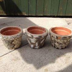 Make your own inexpensive mosaic pots