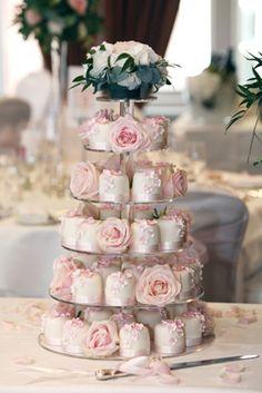 Rachelles Beautiful Bespoke Cakes.