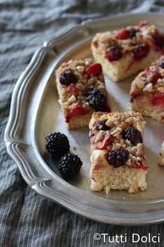 crunchy cinnamon-berry coffeecake