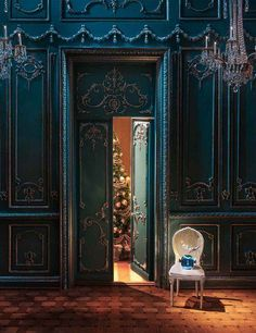 dark teal boiserie. Loving this color #teal #decor #boiserie