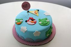 angry birds cake!, via Flickr.