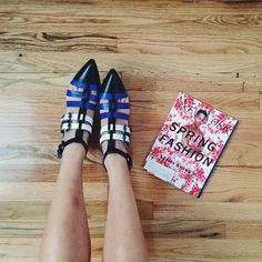 We love Serena Goh of the Spicy Stiletto's taste in spring footwear. #springfashion #kennethcole