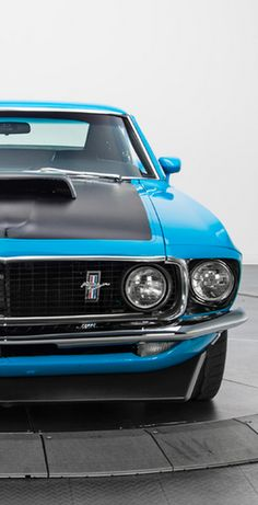 This Ford Mustang Boss 302 has the old school looks #musclecar
