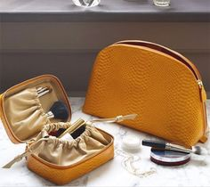 toilette packing lists, accessori stuff, travel bags, travel accessories, crystal earrings, travel thing, swarovski crystals, travel stuff, packing tips