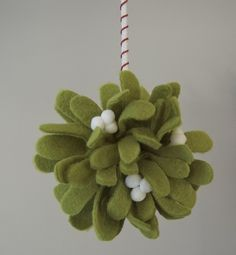 felt mistletoe tutorial