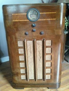 1938 Philco Art Deco 38 624 Model Console Tube Radio |