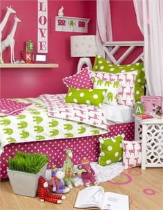 Ellie & Stretch Bedding Set - this would be so pretty for Alyssa!