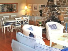 wall art, dining rooms, living rooms, cottag style, area rugs, cottage style decor, live room, stone fireplaces, blues