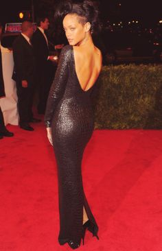Rihanna in Tom Ford #MetGala 2012
