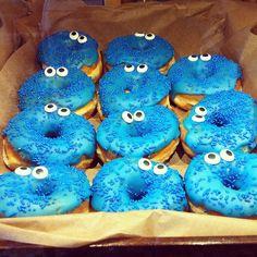 DIY Cookie Monster donuts.