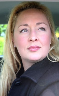 Country music singer Mindy McCready is dead at 37, sources say. SUICIDE