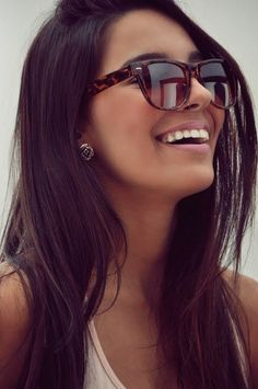the sun is finally out! It is time to get your sunglasses on, let them and your long hair do the talking in true Racoonista style! x
