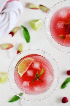 Raspberry Rhubarb Margarita Recipe - HelloNatural.co