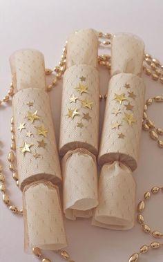 #DIY Lace party favor crackers #diy #doityourself #ideas