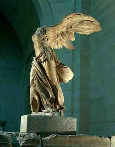 Nike di Samotracia, Louvre Museum - Paris, surprised by this sculpture, never expected it to be that beautiful and big