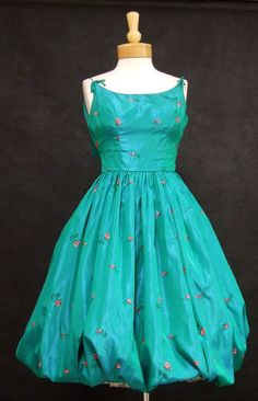 1950's Embroidered Green Taffeta Cocktail Dress With Baloon Hem