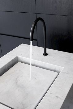 Wash basin with Vola