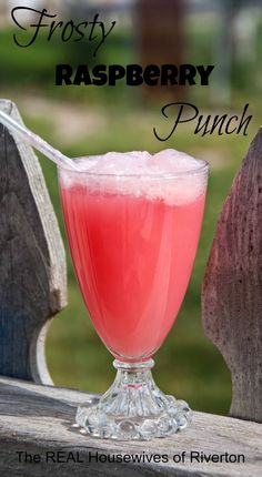 Frosty Raspberry Punch- definitely using this for the holidays!