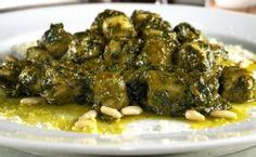 Receita de nhoque (gnocchi) de batata ao molho pesto.