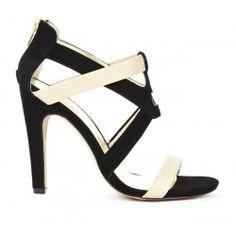 Colorblock heel in black & white.