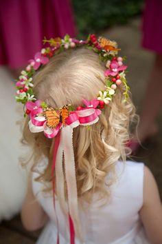 flower crowns for spring wedding, flower girls decor idea, inspired spring wedding www.dreamyweddingideas.com