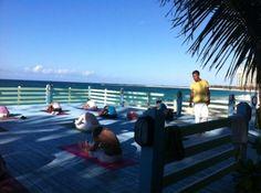 Sivananda Ashram Yoga Retreat: Yoga beach platform