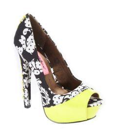 Love It!   Betsey Jonshon Shoes, Vollume Platform Pumps