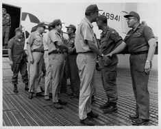 Billy Graham greeting soldiers in Vietnam