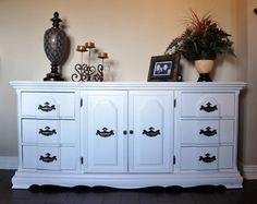 love the white furniture