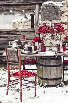 outdoor winter tablescape + red /// #winter #tablescape #red