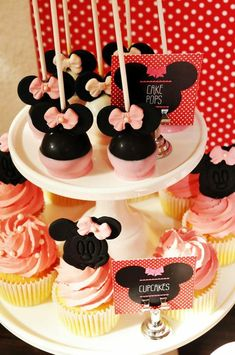 Minnie Mouse cake pops at a Vintage Minnie Mouse Party via Kara's Party Ideas | Kara'sPartyIdeas.com