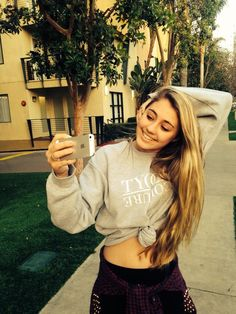 Lia Marie Johnson @Lia-Marie Johnson - Bae caught me slippin takin that selfie tho