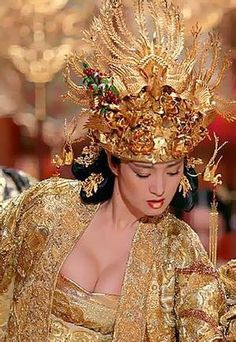 Gong Li in  Curse of the Golden Flower.