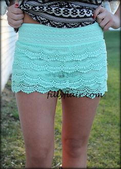 Crochet shorts in MINT - Filly Flair