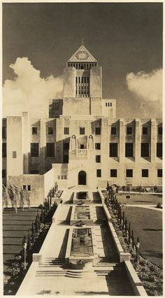 The Flower Street entrance of the Los Angeles Central Library, 1930's.