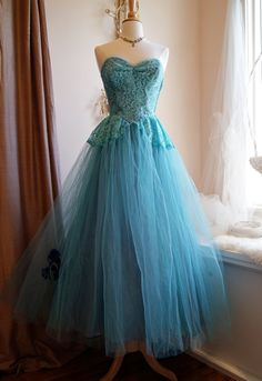 50s Dress // 50s Prom Dress //  Vintage 1950s by xtabayvintage, $298.00