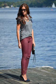 grey tee + burgundy skinnies + black heels