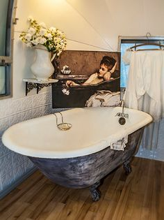 Ya, this is in Mary Jane Butters' AIRSTREAM. Nice...
