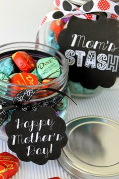 Mother's Day gift idea with free #chalkboard #printables at GingerSnapCrafts.com #mothersday #giftideas #sharetheDOVE #sponsored